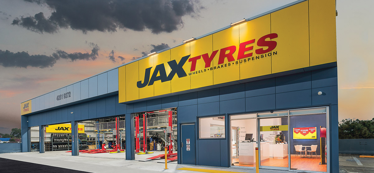 JAX TYRES TEAMS UP WITH QANTAS FREQUENT FLYER - AAA Magazine