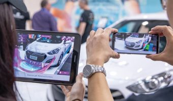 AUTO INNOVATION USING AUGMENTED REALITY